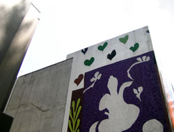 プラチナ通りの壁画