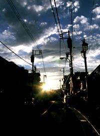 夕日の落ちる街