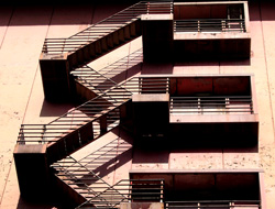 錆びれた非常階段